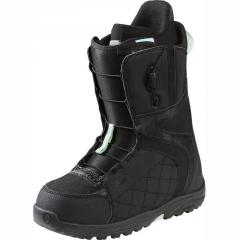 Hire boots Next 42 snowboard solution