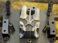Пресс-форма для литья под давлением пластмасс