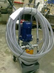 Mobile installation for a filtration (cleaning) of