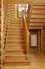 Лестница из натурального дерева с монтажем