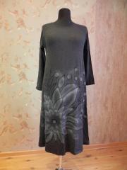 Платье трикотажное черное аэрография