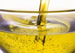 The sunflower oil refined