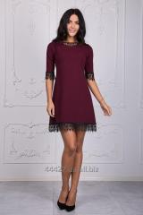 Красивое платье с гипюром бордового цвета