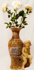 Vase of a napoln Cupid