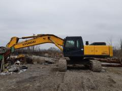 The caterpillar HYUNDAI R320LC-7 excavator...