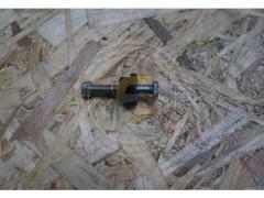 Болт тяги иглодержателя срезной в сборе Сипма Z224
