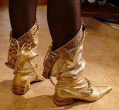 """Boot - Kozachok of """"gold dragon"""""""
