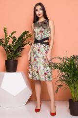 Велюровое платье с изящными разрезами на талии
