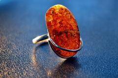 Янтарный перстень в серебре П-1