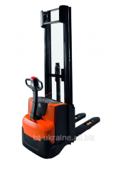 Electric stacker BT Staxio SWE140 from Toyota