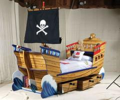 Beds wooden exclusive nurseries - the Piracy ship