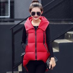 Демисезонные теплые жилеты для женщин с капюшоном.