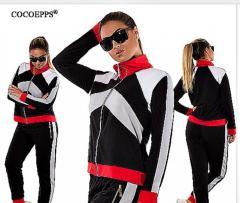 Женские элегантные зимние спортивные костюмы.