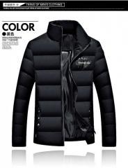 Модная,  толстая,  теплая мужская куртка...
