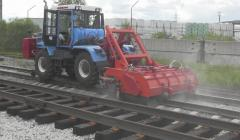 Unit of cleaning of assembled rails and sleepers