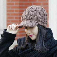 Женская вязанная зимняятеплая шапка -(флис). Двойная вязка.