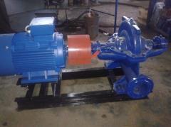 Double entry pump for clean liquids e 630-90