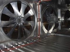 Reversive axial fans
