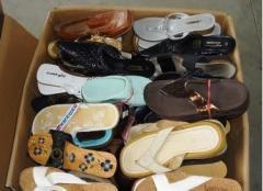 Обувь секонд хенд. В картонных коробках из