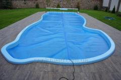 Summer Shield cover 500 for a pool of blue color with the effect of energy saving