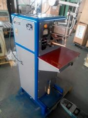 Machines for spot welding