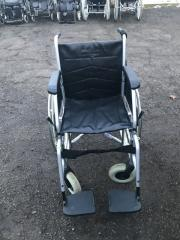 Замечательная инвалидная коляска кожзаменитель