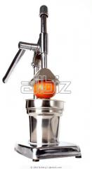 Juice extractors for a citrus
