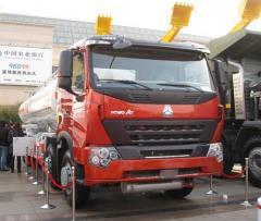 Автоцистерна Sinotruk Howo A7 8×4 Oil Tank Truck