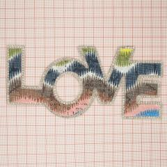 """Аппликация кл.стр. """"LOVE"""" цветной+бел.камни, 16*6мм /Китай/ шт"""