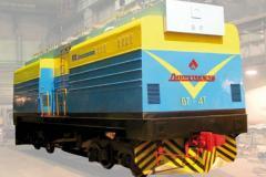 Вагонотолкатель для надвига и установки железнодорожных полувагонов