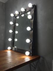 Зеркало из массива дерева с электрической частью в