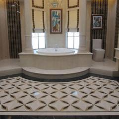 Ванна из белого мрамора изготовлена по