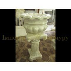 Классическая цветочная ваза из нежно бежевого