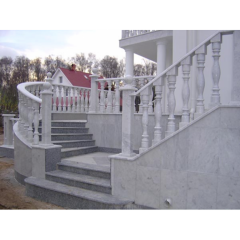 Входная группа – лестница из гранита Покостовского