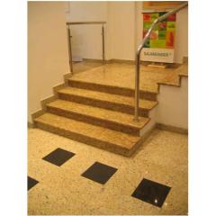 Лестница из гранита Тибериус из Саудовской Аравии