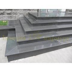 Гранитное крыльцо - гранитные ступени и площадки