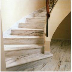Мраморная радиусная лестница из мрамора Россо