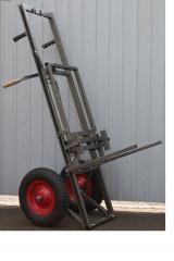 Ручная тележка-подъемник для перевозки ульев,