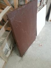 Каменные коричневые плиты 900х600х30мм .уникальной породы ярко - коричневого цвета