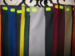 الأقمشة والملابس