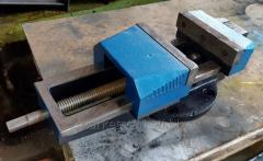 Тиски станочные, поворотные, губки 250 мм