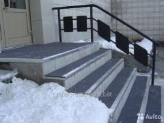Anti-slip rubber coating on the stairs