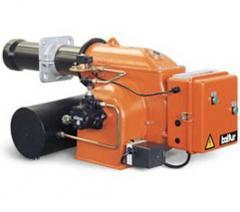 Двухступенчатая мазутная горелка (высокое/низкое пламя) серия BT SPN с перепадом давления для тяжелых нефтепродуктов.Тепловая мощность от 89 до 390 kW, Способна работать с любым типом камеры сгорания, пр-во Baltur (Италия)