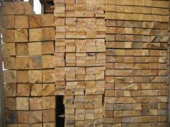 Tábuas, pranchas, ripas de madeira dura