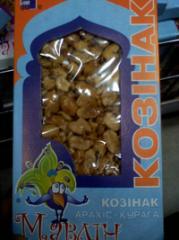 Gozinaki (gozinaki) from a peanut with dried