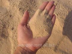 Песок речной с доставкой самосвалами по Киеву и области.