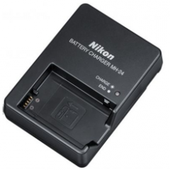 The Nikon MH-24 charger the suboriginal (license)