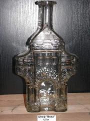 Стеклянная сувенирная бутылка для спиртного