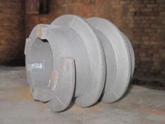 Cheeks from high-chromium cast iron for hammer