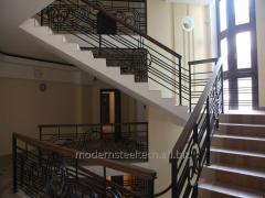 Geländer. Umzäunung der Altane und Treppen